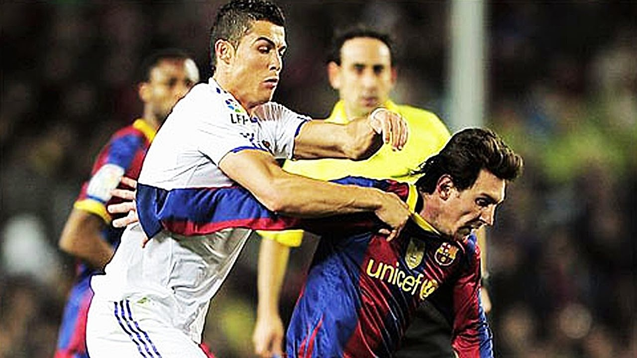 a comparison between lionel messi and cristiano ronaldo two best soccer players in the world Carlos tevez spent two years at manchester united with ronaldo, while he's represented argentina alongside messi and he's just highlighted the one big difference between the two superstars.