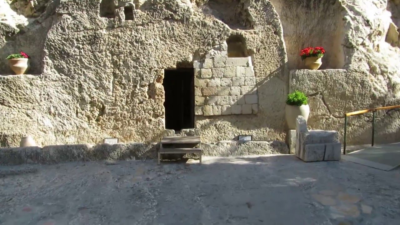 a tour inside the burial site of jesus christ the garden tomb