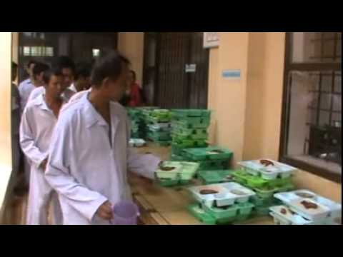 """""""Bữa cơm có thịt"""" cho bệnh nhân nghèo Bệnh viện tâm thần Tiền Giang"""