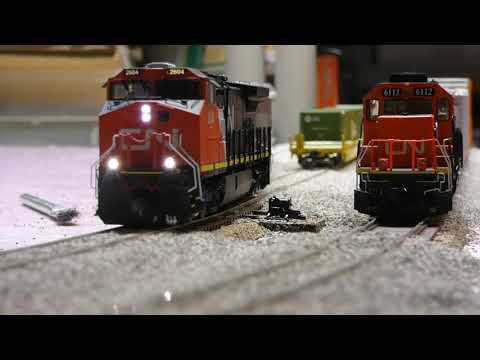 September Layout Update/ MTH Dash 9 Review (HO)