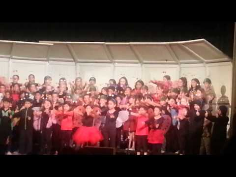 Saint Helena California Primary School's Chorus.