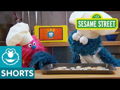 Sesame Street: Banana Chips for Zooey Deschanel | Cookie Monster's Foodie Truck