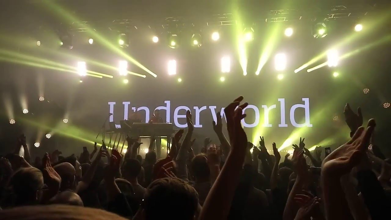 Resultado de imagen de UNDERWORLD 'Born Slippy' Live in Berlin