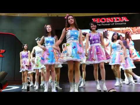 JKT48 - Part 2 @. Booth Honda GIIAS 19/08/17
