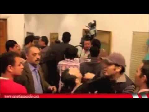ممثله سورية شبيحه تطرد وتضرب فقط في مصر