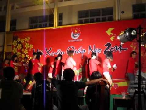 FStyle diễn tại trường THPT Nguyễn Công Trứ 2014