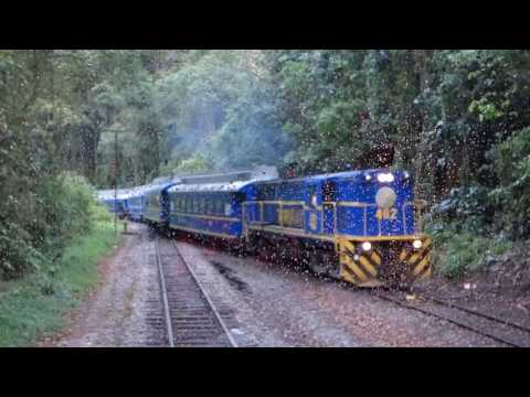 Train to Machu Picchu - Peru Rail Vistadome - Travel from Cusco/Ollantaytambo to Machu Picchu