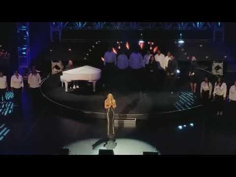 Mariah Carey Live - Hero  (World Aids Day 2017)