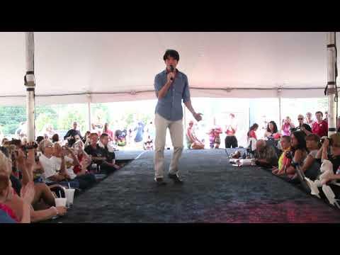 Dean Z sings  Elvis 'Bossa Nova Baby' at Elvis Week 2013 (video)
