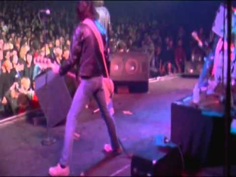 Ramones Live London 1977 full show Part 1.vob