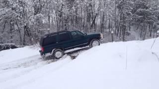 Chevrolet Tahoe V8 Snow Motion Exhaust sound