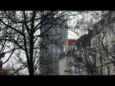 Wieviel Lebenszeit der Nutzer wurde allein in den Aufzügen verschwendet? AfE-Turmsprengung Frankfurt