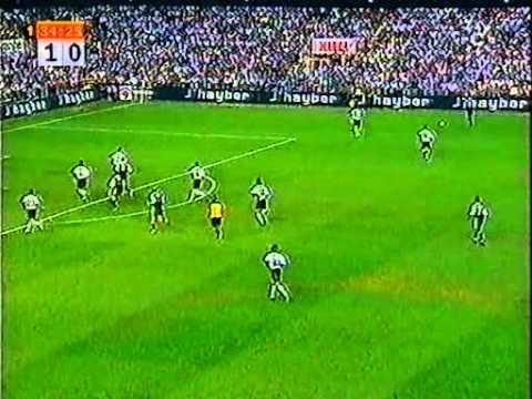 Valencia vs Real Madrid (25/08/2001) - 1er match officiel de Zinedine Zidane avec le Real Madrid