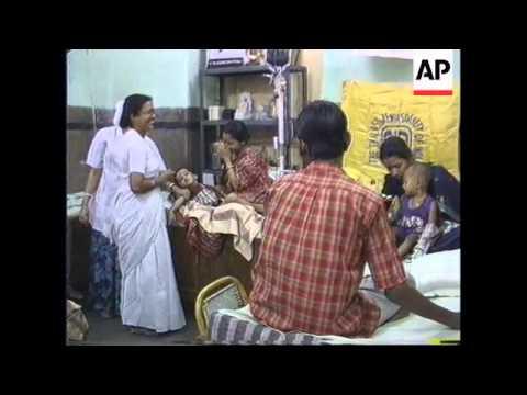 INDIA: CALCUTTA: BLOOD BANKS CLOSE DUE TO STAFF DISPUTES