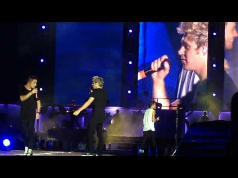 One Direction Live in Manila - Story of My Life (WATCH IN 1080p)