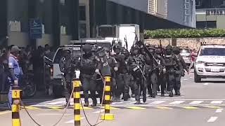 Неизвестный захватил заложников в ТЦ на Филиппинах! Спецназ готовится к штурму