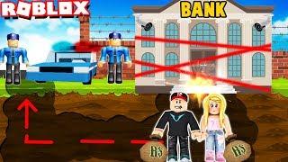 OKRADAMY NAJBEZPIECZNIEJSZY BANK W ROBLOX! (Crazy Bank Heist Obby) Vito i Bella