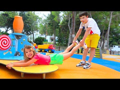 видео: Макс как НЯНЯ для Кати! Катя не слушается и не боится микробов! Скетчи для детей
