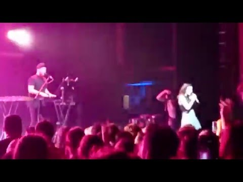 Chvrches - Leave A Trace @ The Forum, Melbourne - Tuesday 9/2/2016