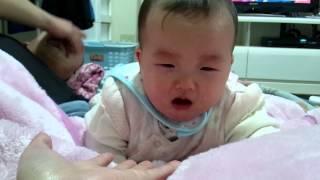 泣きながらも向かってくる 我が子カワユイ(*´∇`*)