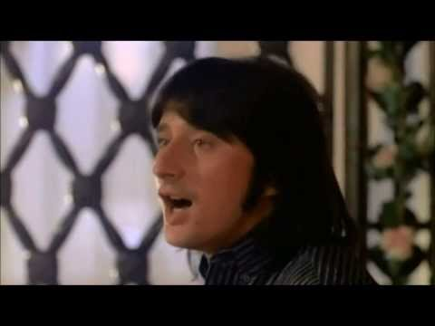 "Steve Perry - ""Oh Sherrie"" (1984) - YouTube"