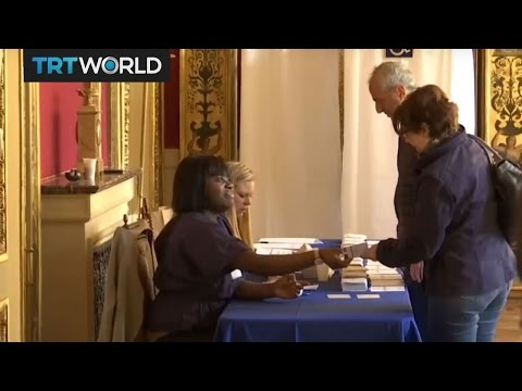 Midday turnout for French presidential election at par with 2012 rate