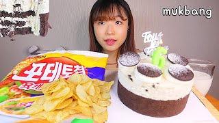 MUKBANG 뚜레쥬르 까망쿠키 치즈케이크와 포테토칩 디저트 먹방 COOKIE CHEESE CREAM CAKE Dessert asmr チーズケーキ 咀嚼音