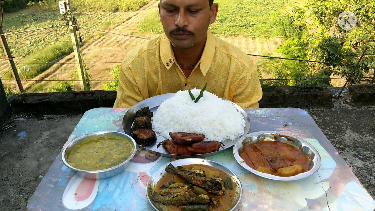 Just Mind Blowing Eating Show | Rice with Tangra Fish | Katla Fish | Bok Flower Pakoda | Brinjal Fry