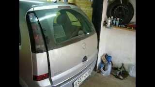 видео Opel Astra H. Как открыть багажник когда не работает замок