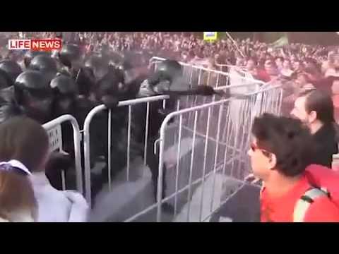 Russische Polizei OMON gibt dem Maidan in Russland eine angemessene Anwort. 2012