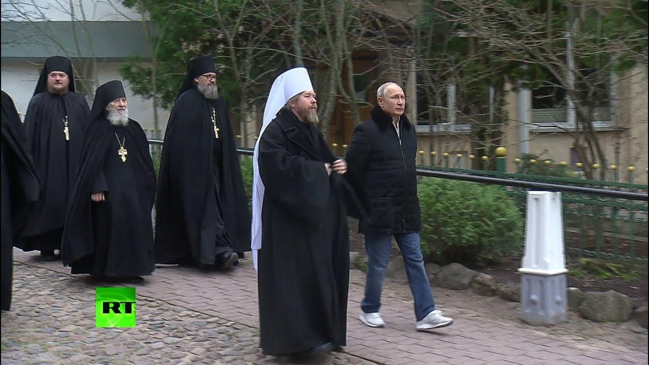 Кадры визита Путина в Псково-Печерский монастырь