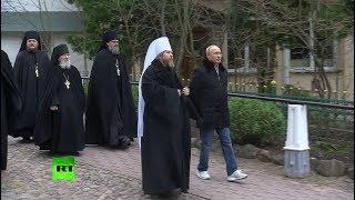 Опубликованы кадры визита Путина в Псково-Печерский монастырь