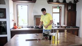 Market To Master Season 2 Webisode 1 - Steamed Mussels And Clams In Thai Green Curry