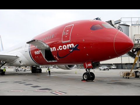 Norwegian Air's first nonstop from Paris arrives at Oakland International Airport