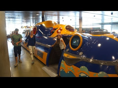 L'aquarium Barcelona, part 3, inside the children's submarine