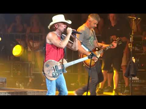 Kenny Chesney - Beer in Mexico in Toronto