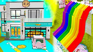 I Find Awesome Cookie Swirl C House in Random Roblox Games