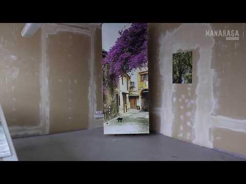 Фотообои «Цветущая улочка Прованса в старом городе»