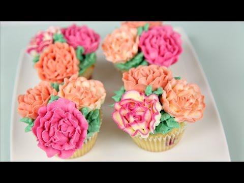 Carnation Flower Buttercream Cupcakes - CAKE STYLE