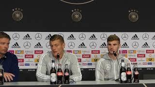 Toni Kroos und Timo Werner vor dem Spiel Niederlande - Deutschland