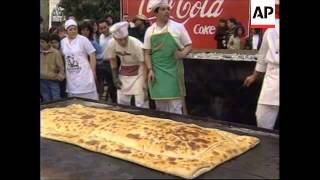 Chile : Record For Baking The Largest Traditional Meat Pie
