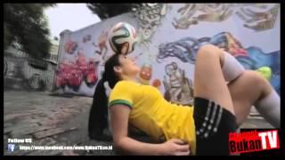 [KEREEN BANGET] Cewe Cantik Freestyle Sepak Bola - BukanTv