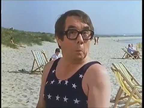 The two Ronnies - By the Sea & The Picnic...