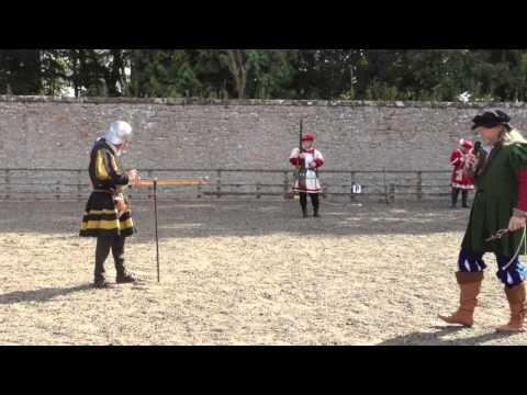 A demonstation of a 16th Century Handgun \Handcannon