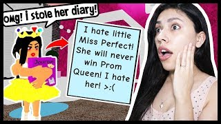 I STOLE MY BULLIES DIARY & FOUND OUT HER BIG SECRET! - Roblox - Royal High School