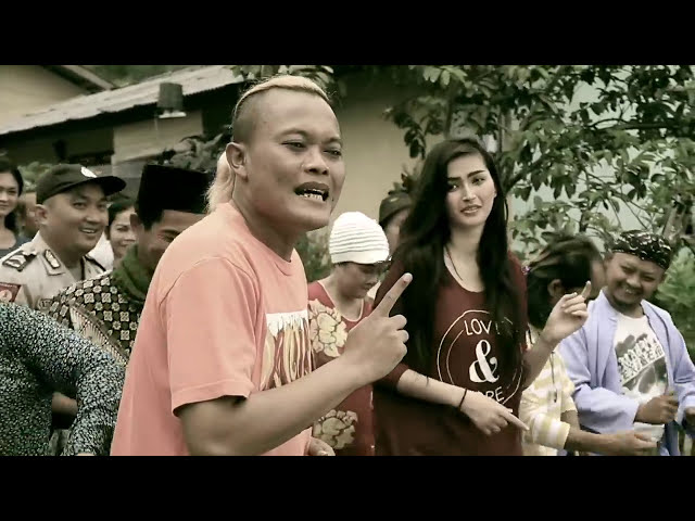 Lirik Lagu Goyang Sule - SULE