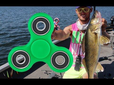 Jigging Rap + FIDGET SPINNER  Walleye Fishing  - Hayward, Wisconsin