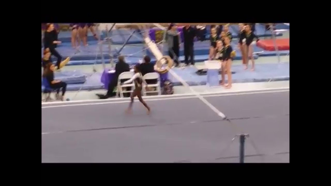 MAGNIFICENT Switch leg leap into a straddle! - YouTube