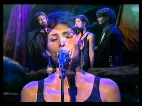 Kari, Ola og Lars Bremnes - Hurtigrute (Live in TV studio, 2000)