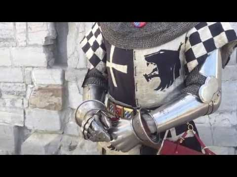 Dressing in late 14th century armour